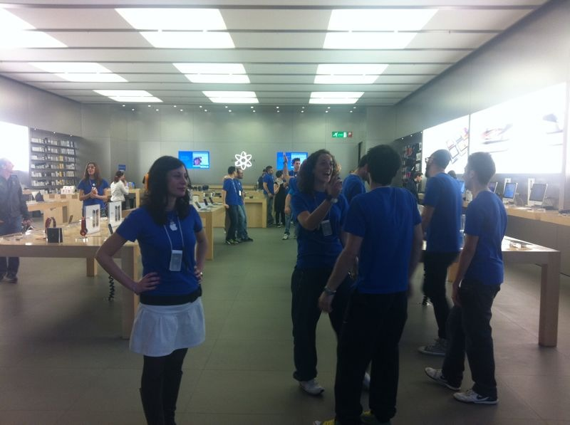 Apple Store carugate chiude per iPad 2